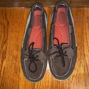 Brown and tan Sperry's